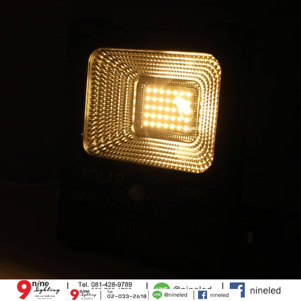 สปอร์ตไลท์ LED โซล่าเซลล์ 10w ยี่ห้อ Iwachi (แสงส้ม)